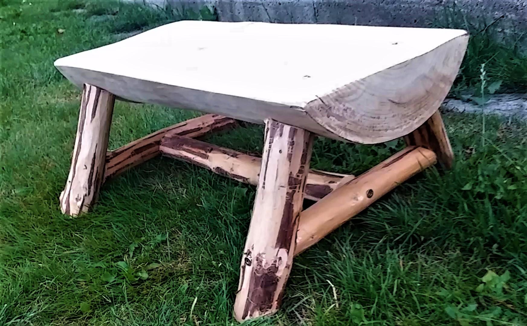 hotová záhradná stolička