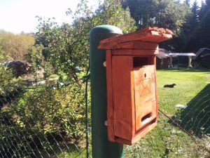 hotová drevená poštová schránka